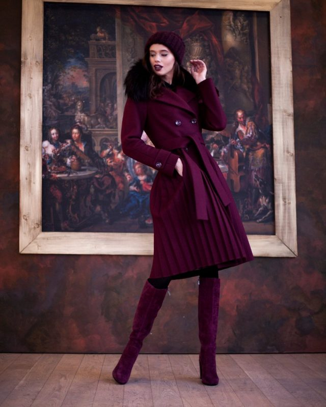 Как выбрать женское зимнее пальто с меховым воротником?